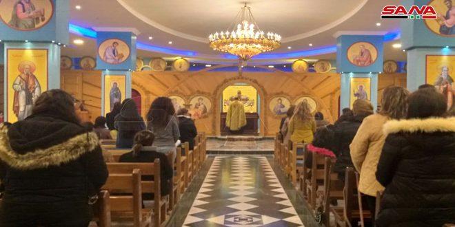 احتفالاً بعيد القديسة بربارة… أزياء تنكرية ومأكولات تقليدية في بلدة المزينة بريف حمص الغربي