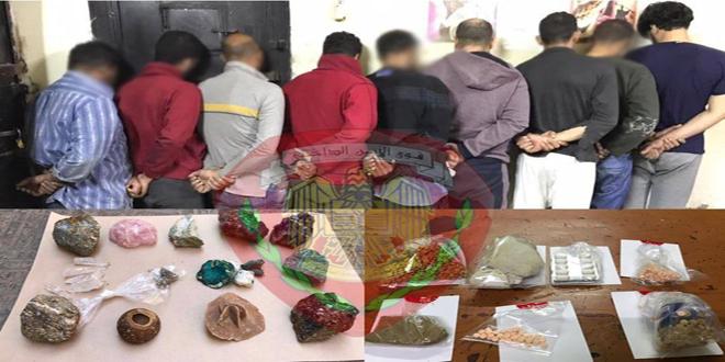 القبض على مجموعة أشخاص يتاجرون بالمواد المخدرة في ريف دمشق واثنين ارتكبا جرائم سرقة وترويج للمخدرات في اللاذقية