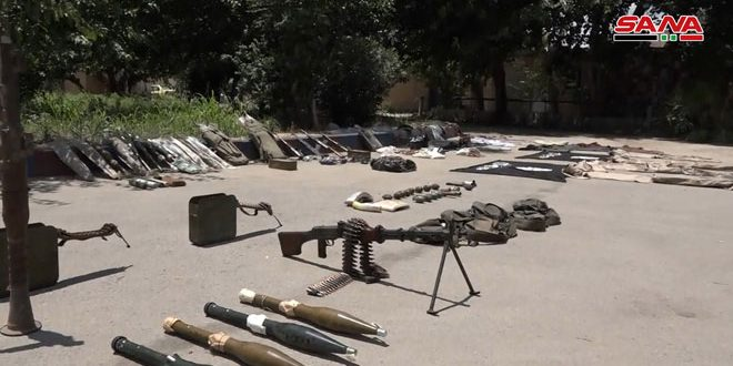 Army units discover a cache for Daesh in Deir Ezoor countryside
