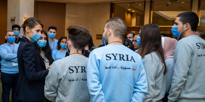 Mrs. Asma al-Assad meets participants in Scientific Olympiad of 2021, affirms that e-learning became essential part of education
