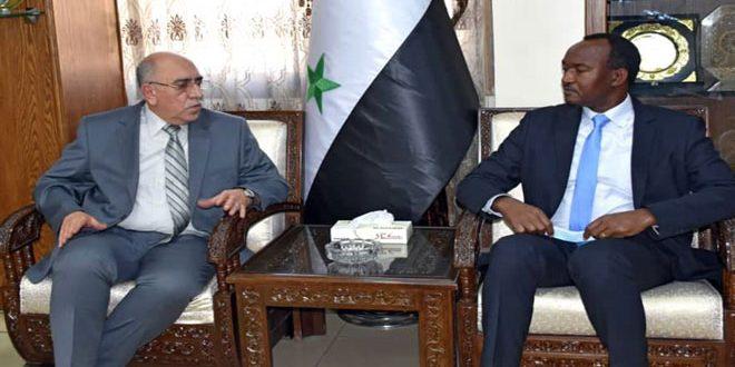 Siria y ONU examinan cooperación para rehabilitar instalaciones industriales