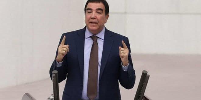 تاکید یک پارلمانی ترکی بر ضرورت گفتگو با سوریه برای محافظت از امنیت ترکیه