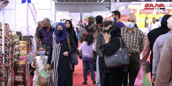 حضور گسترده مردم در نمایشگاه (ساخت سوریه) در بغداد