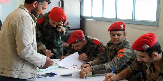 آغاز روند رسیدگی به وضعیت شماری از افراد مسلح و تحت تعقیب و تحویل سلاح به ارتش عربی سوریه در تعدادی از روستاهای حومه شمالی غربی درعا