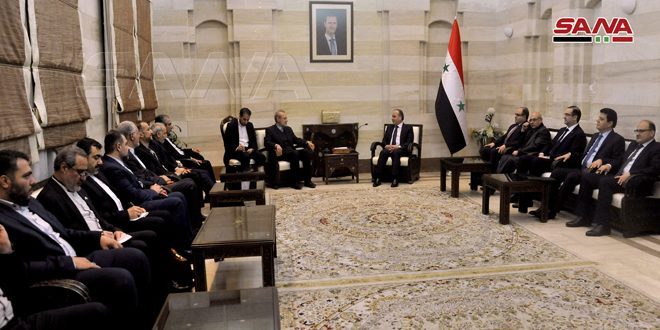 Khamis et Larijani discutent de la coopération économique entre la Syrie et l'Iran