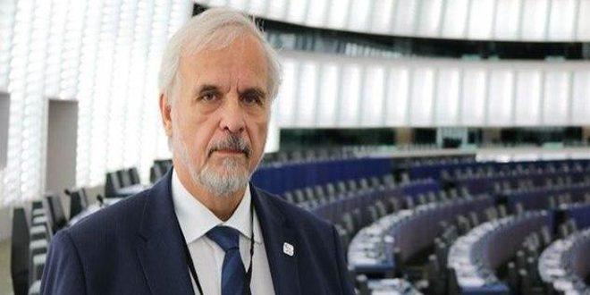 Parlementaire tchèque : Le régime d'Erdogan attise les crises en Syrie et en Libye via son soutien aux terroristes