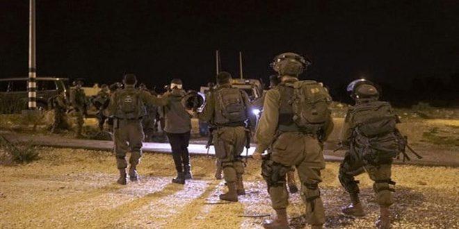 Les forces d'occupation israéliennes arrêtent 16 Palestiniens en Cisjordanie
