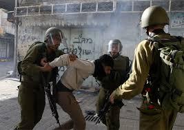 הכוחות הישראליים עצרו 10 פלסטיניים בגדה המערבית