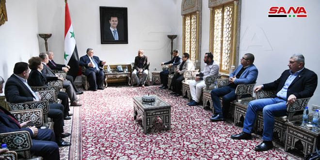 סבאע' במהלך פגישתו עם משלחת צעירים ממרוקו אמר כי סוריה סומכת על תודעתם של העמים הערבים