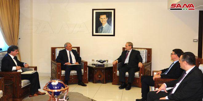 אל-מוקדאד אמר לסגן ראש הממשלה הפלסטינית: מאבקינו המשותף נגד המדיניות האמריקנית והישראלית הוא הערובה להחזיר את הזכויות