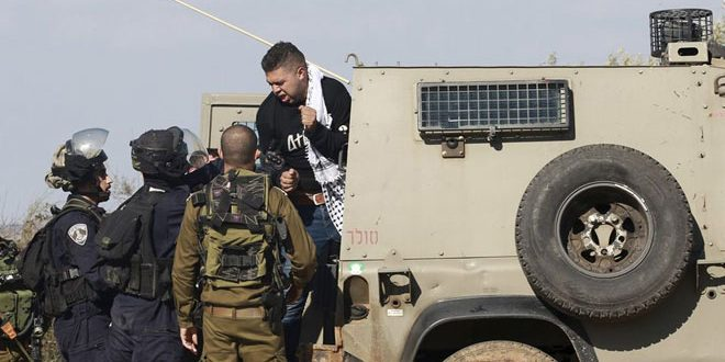 כוחות הכיבוש עוצרים 5 פלסטינים בגדה המערבית