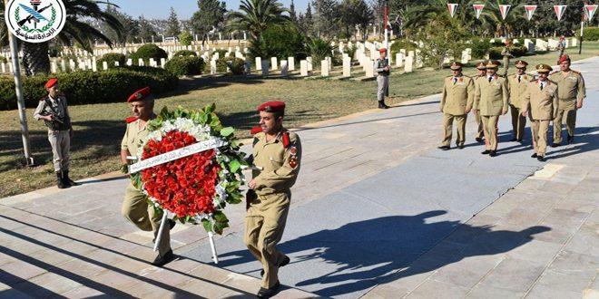Возложение венков к мемориалу павшим героям Сирийской армии