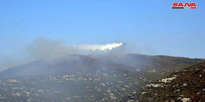 В тушении пожаров между провинциями Латакия и Хама принимают участие российский самолет и вертолеты САА