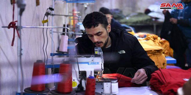 В Алеппо двое раненых бойцов Сирийской Арабской армии открыли швейную мастерскую