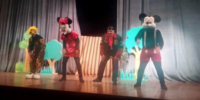 Показ детского спектакля «Затерянный лес» в Хомсе