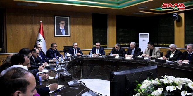 Başbakan Hamis: Halep'teki Projelerin Uygulanması Önündeki Zorlukların Ortadan Kaldırmak ve İlin Alt Yapısını Restore Etmek