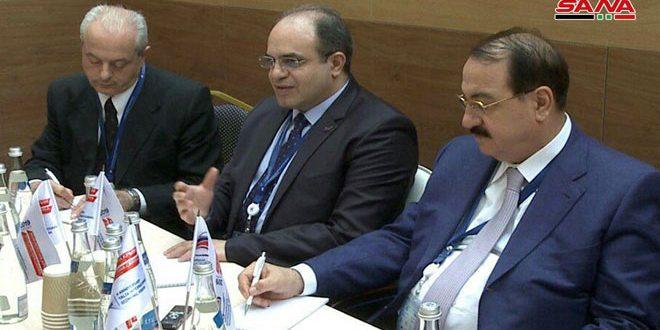 الخليل يبحث على هامش منتدى يالطا العلاقات الاقتصادية مع عدد من الدول الصديقة