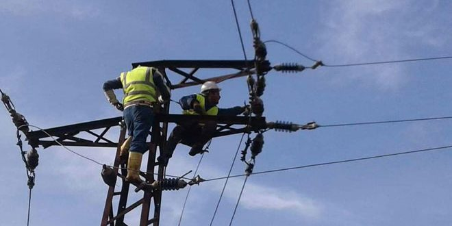 كهرباء حمص: الاستفادة من المواد المنسقة لإيصال التيار الكهربائي إلى عدد من المناطق 