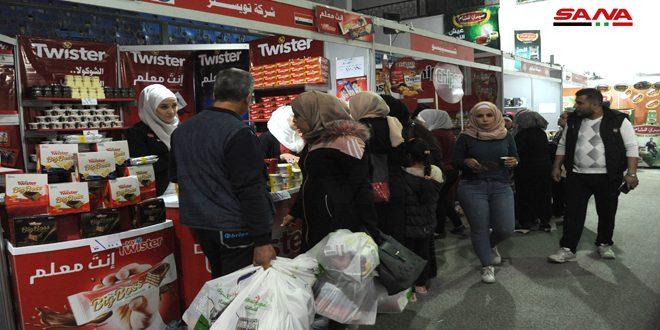 أكثر من 130 شركة في مهرجان التسوق الشهري بصالة الجلاء