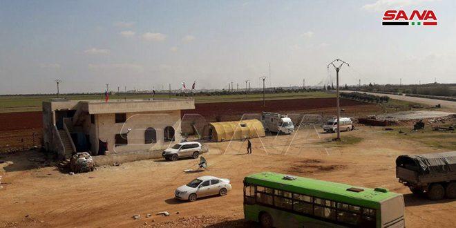 بالصور.. افتتاح ممر إنساني في مجيرز غرب سراقب لتأمين خروج المدنيين من مناطق انتشار الإرهابيين في إدلب