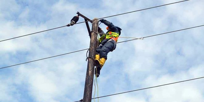 إعادة التيار الكهربائي إلى بعض مناطق الريف الغربي لحمص