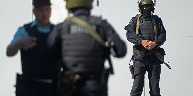 الشرطة الأوزبكية تعتقل 12 شخصا مرتبطين بتنظيمات إرهابية في سورية