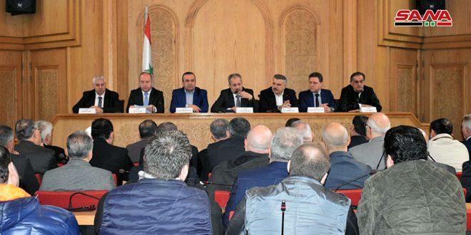 وفد وزاري يناقش واقع المنشآت الصناعية في المناطق المحررة من الإرهاب بريف حلب واحتياجات إعادة إقلاعها-فيديو