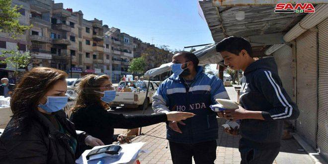 سيارات جوالة لبيع المواد بموجب البطاقة الإلكترونية في حمص والسويداء في إطار إجراءات التصدي لكورونا