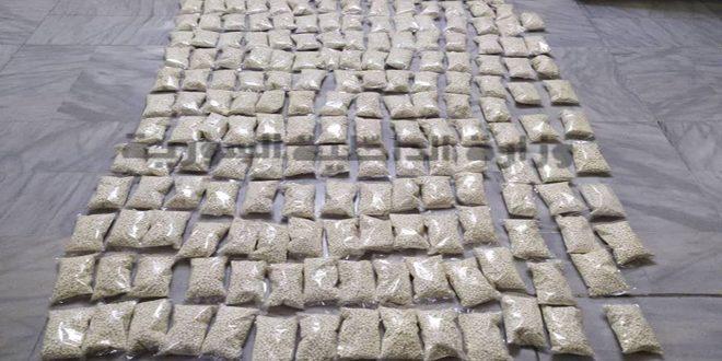 القبض على 3 أشخاص من مروجي المخدرات بدمشق وضبط 370 ألف حبة كبتاغون بحوزتهم