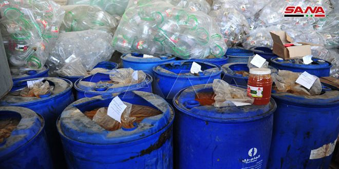 إغلاق معملين في مدينة التل يقومان بإنتاج مواد غذائية غير صالحة للاستهلاك البشري