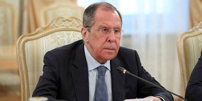 لافروف: ضرورة دحر الإرهاب في سورية وحل الأزمة فيها سياسياً عبر حوار سوري سوري