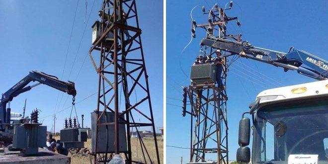 حمص.. إعادة تأهيل المنظومة الكهربائية المتضررة جراء الإرهاب في قريتي جوالك وسنيسل