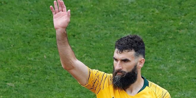 يديناك قائد منتخب أستراليا السابق يعتزل كرة القدم