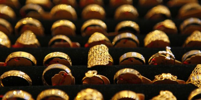 الذهب يرتفع مع هبوط الدولار