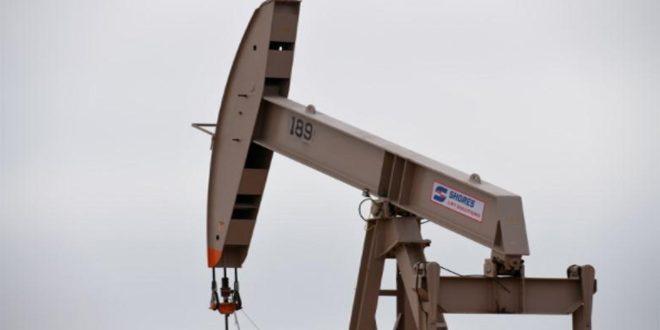 تراجع أسعار النفط بفعل مخاوف من زيادة المعروض