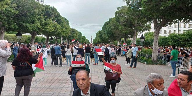 تونسيون: نطالب بإعادة العلاقات مع سورية وكسر الحصار