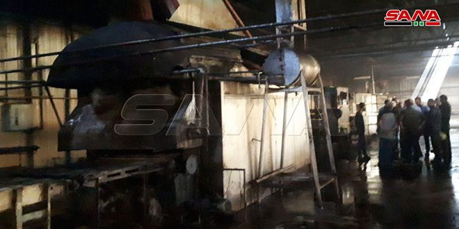 فوج إطفاء دمشق يخمد حريقاً بالفرن الآلي بالمزة-فيديو